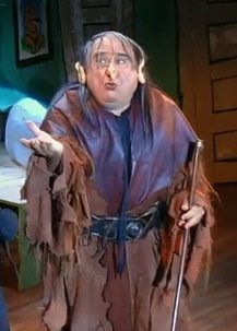 "Frank Reynolds (Danny DeVito) as ""The Troll"""