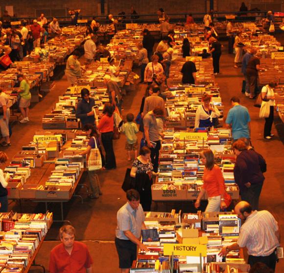 Book-Sale-in-full-swing