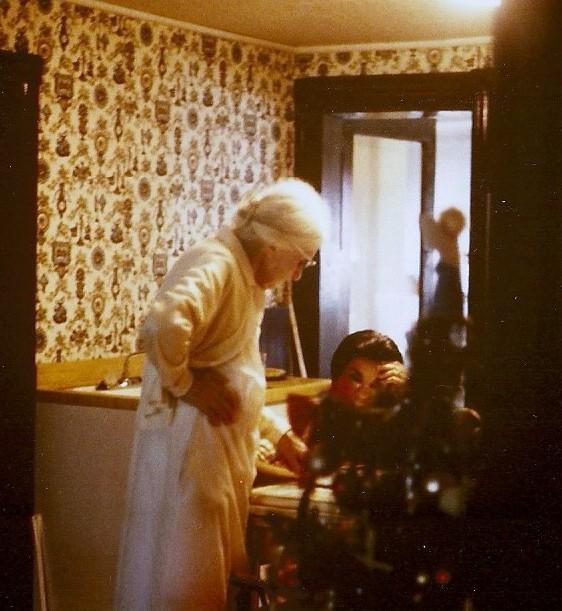J Pic Viola and Becky in Viola's Kitchen Jul 21 1985