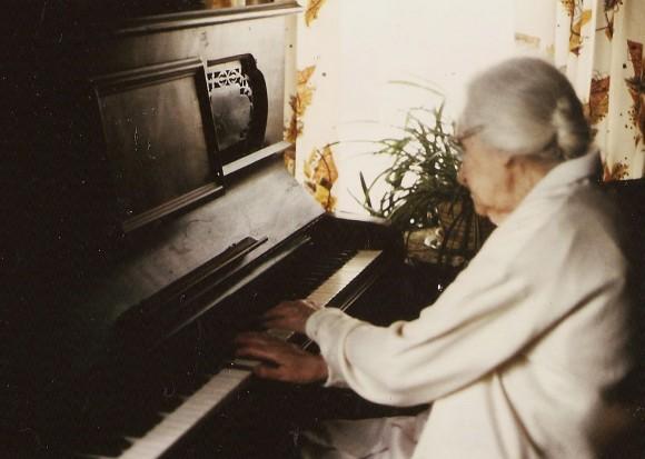 ZH Pic 1985 Slide # 159 Viola at piano Jul 20 1985