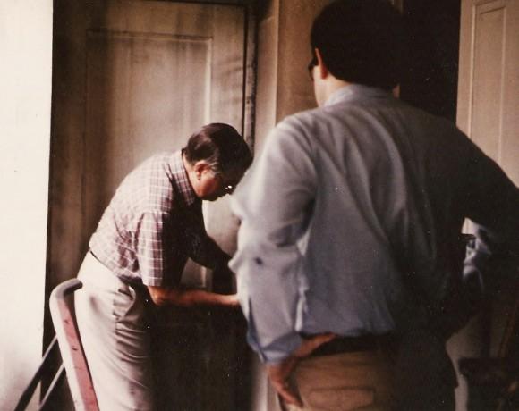 D Pic 1985 North Co His Soc Fort Augusta Jack Hetrick Pres unlocking vault door Aug 7 1985