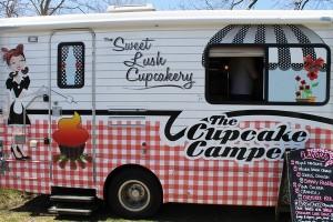 Sweet-Lush-Cupcake-Camper-600x400