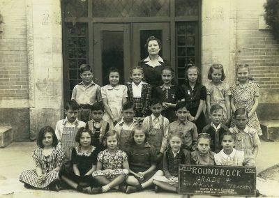 1941-42 4th grade class