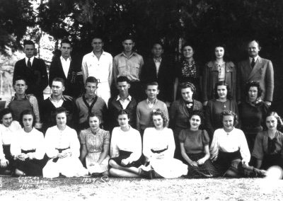 1939-40 Senior Class. O.F. Perry pictured top row far right.