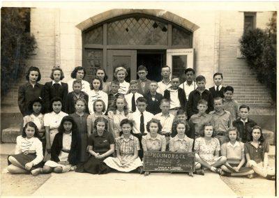 1941-42 8th grade class