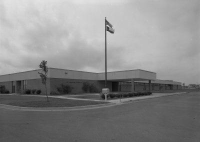 1982 Robertson Elementary School Exterior