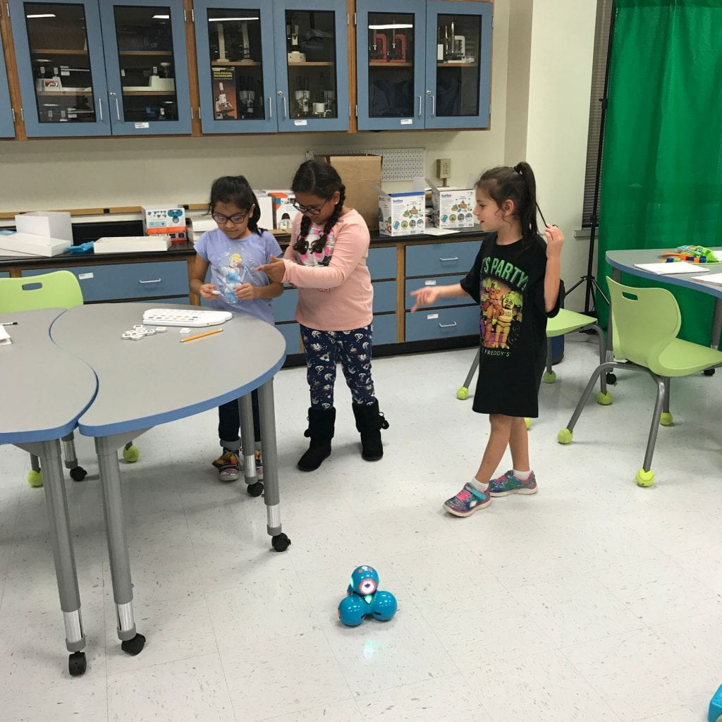 Puzzlets and Dash Robot