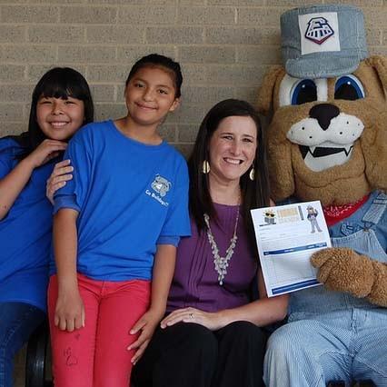 Principal Gabi Niño recognized for achievements in early literacy