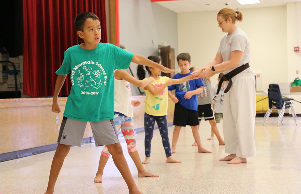 karate_line-2g7ce2p