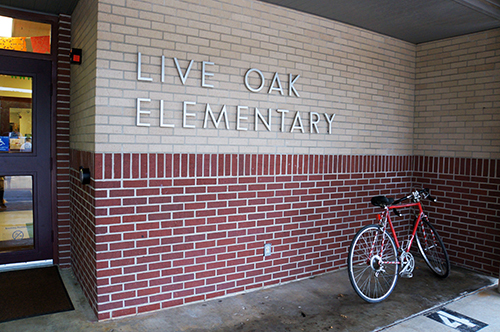 photo of Live Oak Elementary entrance