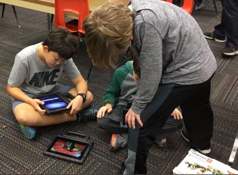 Fifth Grade Students use Stop Motion Studio Pro App with
