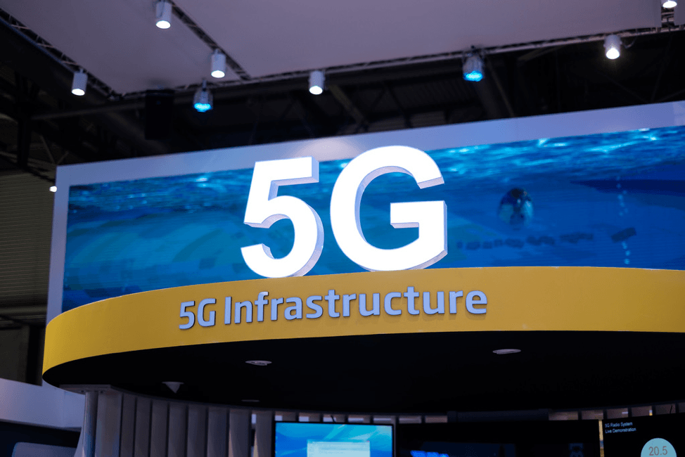 Building Up a Global Wall Against the Use of 5G:  The Arms Race over Securing Patent Rights for Fifth-Generation Cellular Wireless Technology