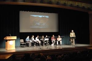 Lectura dramatica- todo el grupo de actores en C Walsh Theatre, Suffolk U
