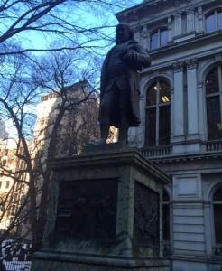 ben franklin statue 3