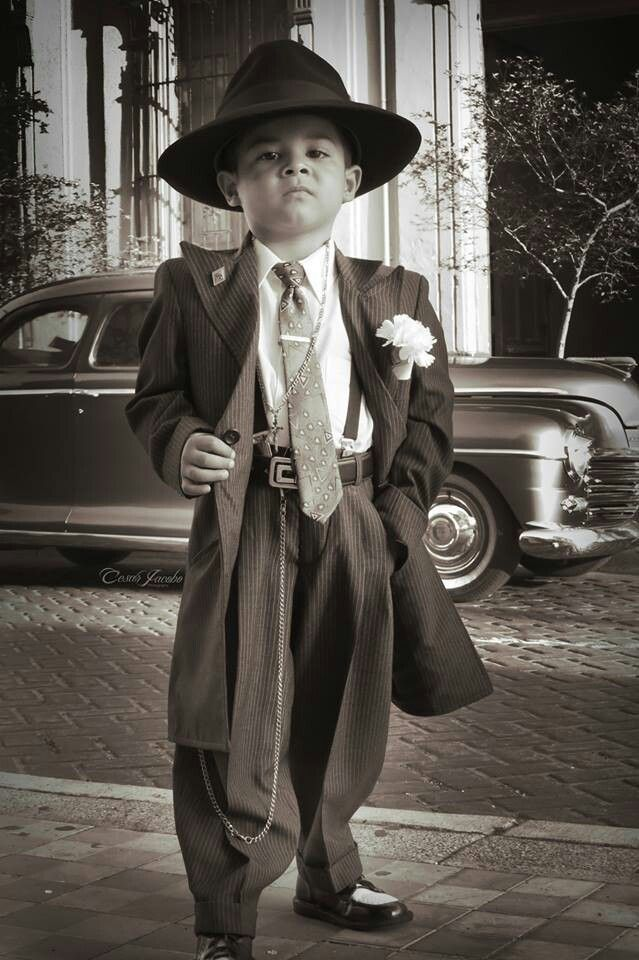 Pachuco Style – ZootSuitDramaturgy