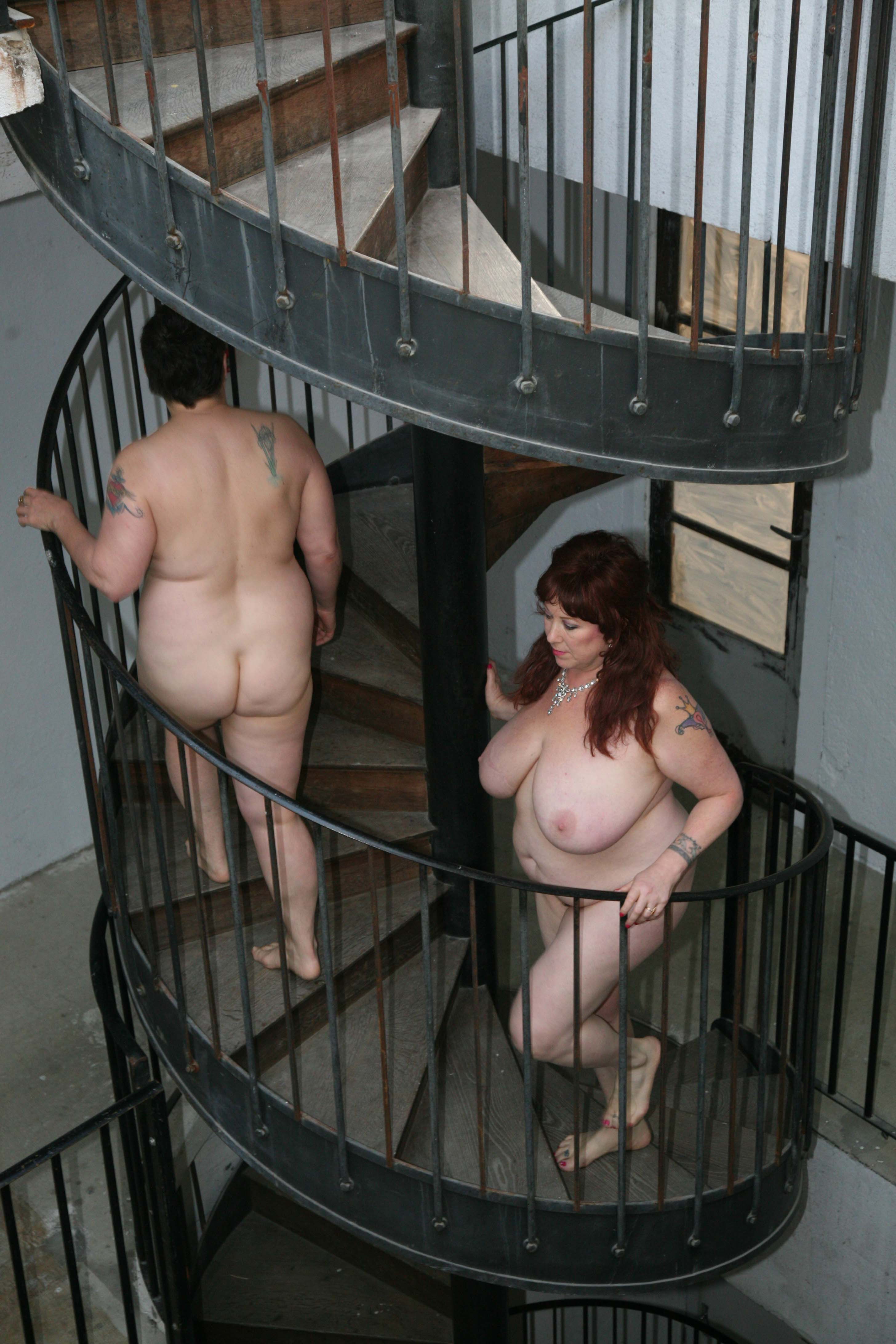 Big Nudes Descending A Staircase  Love Art Lab-7401