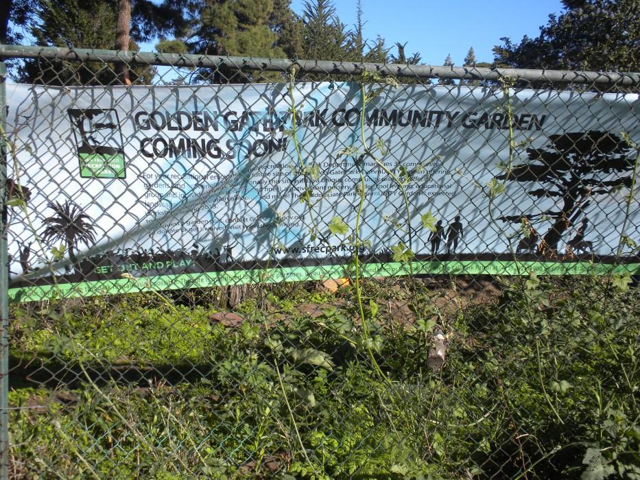 Sign announcing Golden Gate Park CommUNITY Garden, 2013