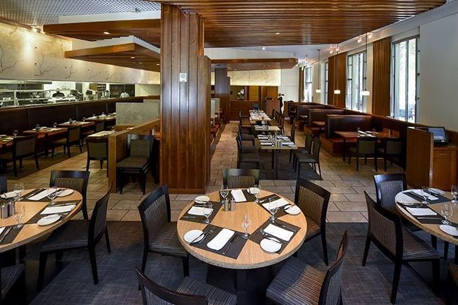 Restaurant, Moreton Fin N