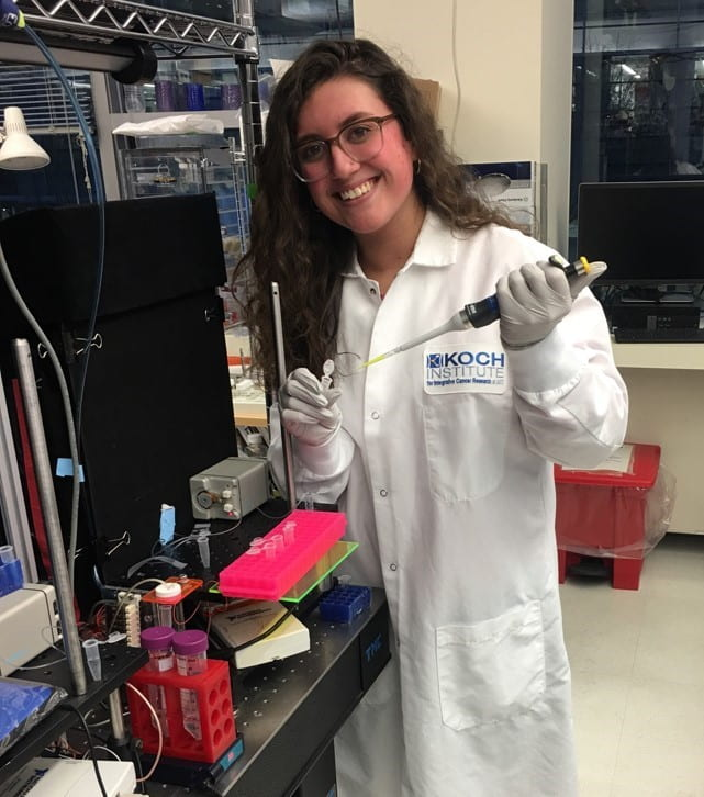 KelseyDeGouveia in lab