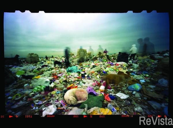 Transoceanic Traveling Trash