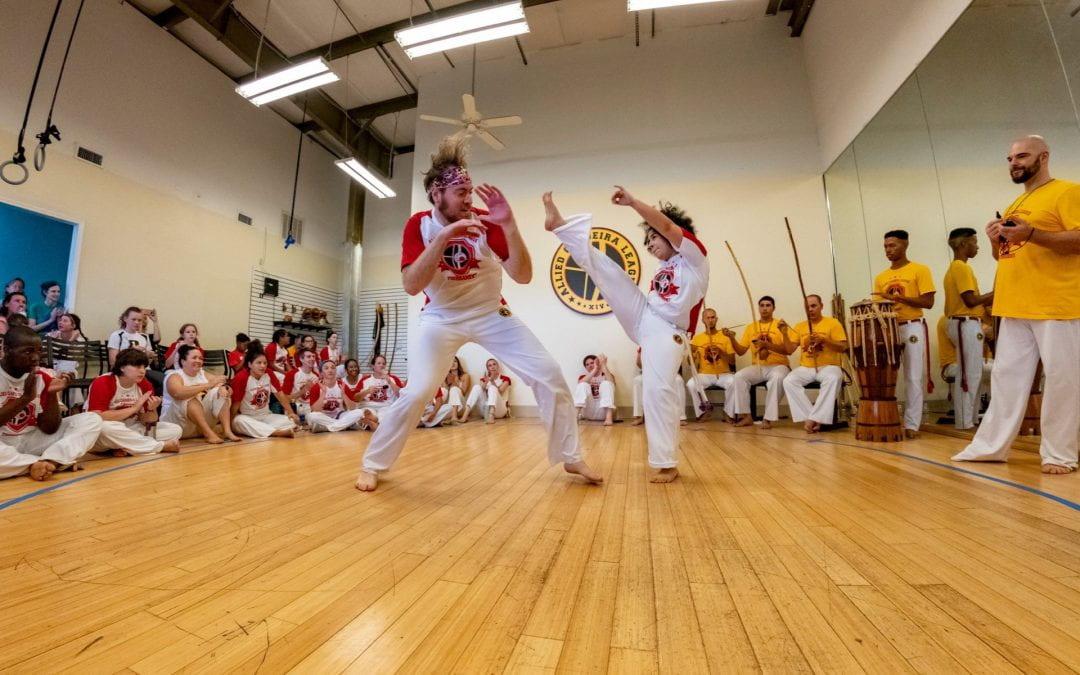 """""""Axé, Capoeira!"""""""