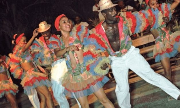 """Disabling the """"Tourist Gaze"""": Protecting and Projecting Cultural Heritage through Dance"""