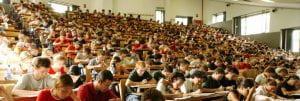 aula piena di studenti