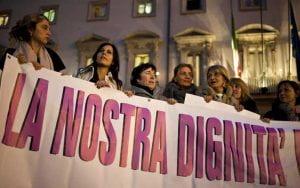 Manifestazione di donne per la dignità