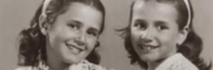 Due bambine che sorridono