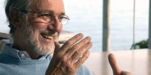 Renzo Piano: busto di uomo con barba e occhiali