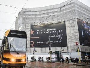 Palazzo nel centro a Milano sede futura di Starbucks