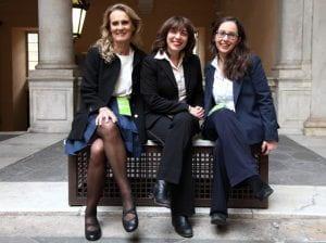Tre giovani ricercatrici