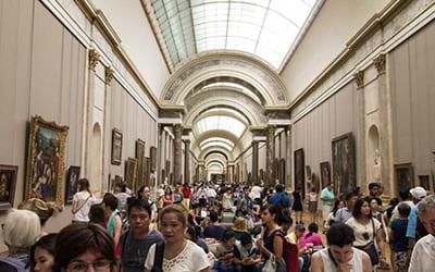 La folla, problema dei grandi musei non dei piccoli