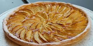 La torta di mele e l'ape solitaria