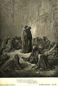 Immagine rappresentante persone che indossano mantelli con cappuccio