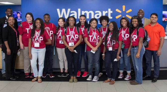 Walton College Hosts Technology Awareness Program for Students