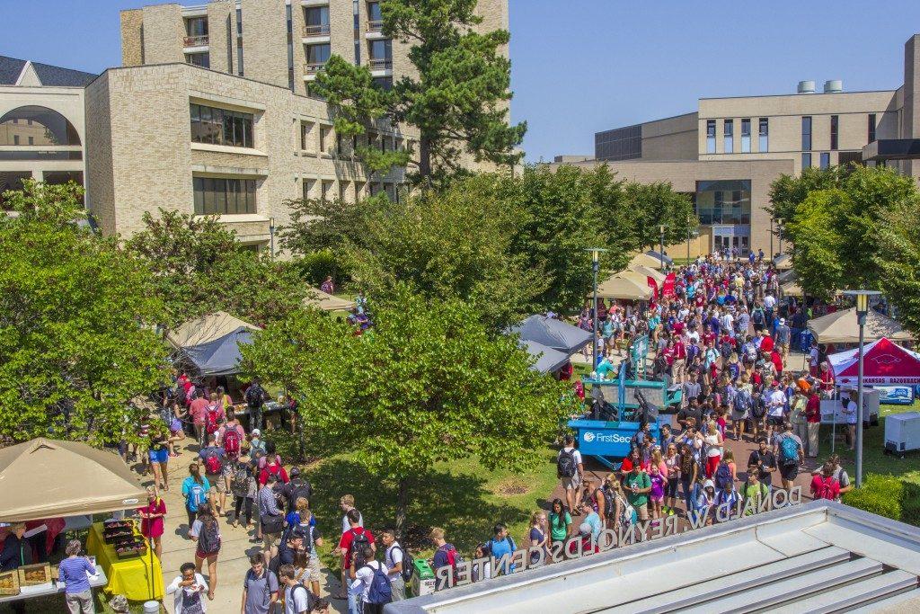 Walton College Kicks Off Fall Semester with Music, Food, Fun