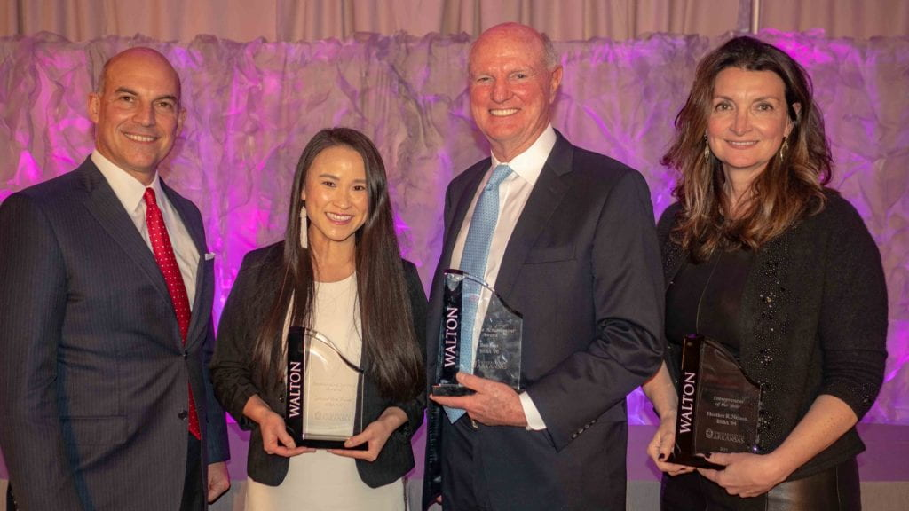 Outstanding Alumni, Students Recognized at Walton Awards Banquet