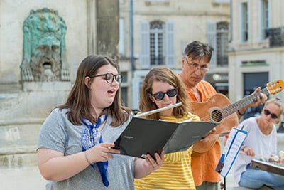 Susan Tucker, Chelsea Hodge and Nikola Radan perform in Arles