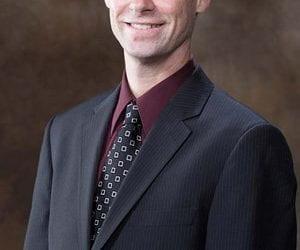 U of A Professor Receives University of Connecticut Thomas J. Pike Athletic Training Alumni Award