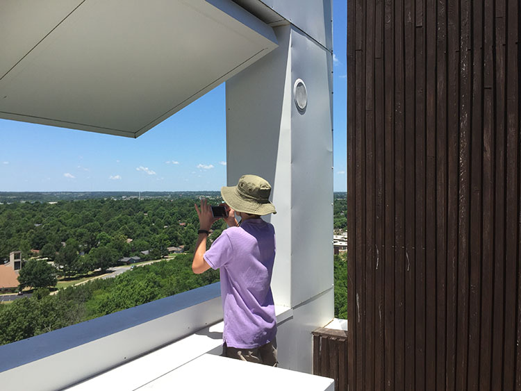 Students tour the Keenan TowerHouse in Fayetteville, designed by Marlon Blackwell Architects. (Photo by Alison Turner)