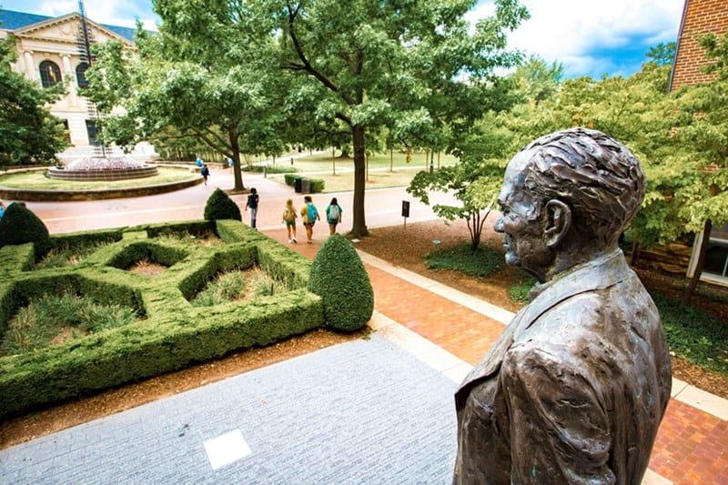 U of A Forms Committee to Evaluate J. William Fulbright's Presence on Campus
