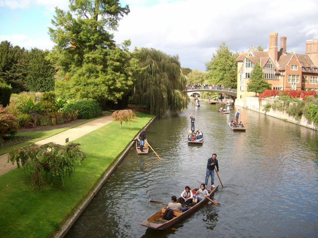 Punters on the River Cam, enjoying the weather in late September.