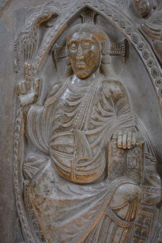 sculpture of Jesus Christ.