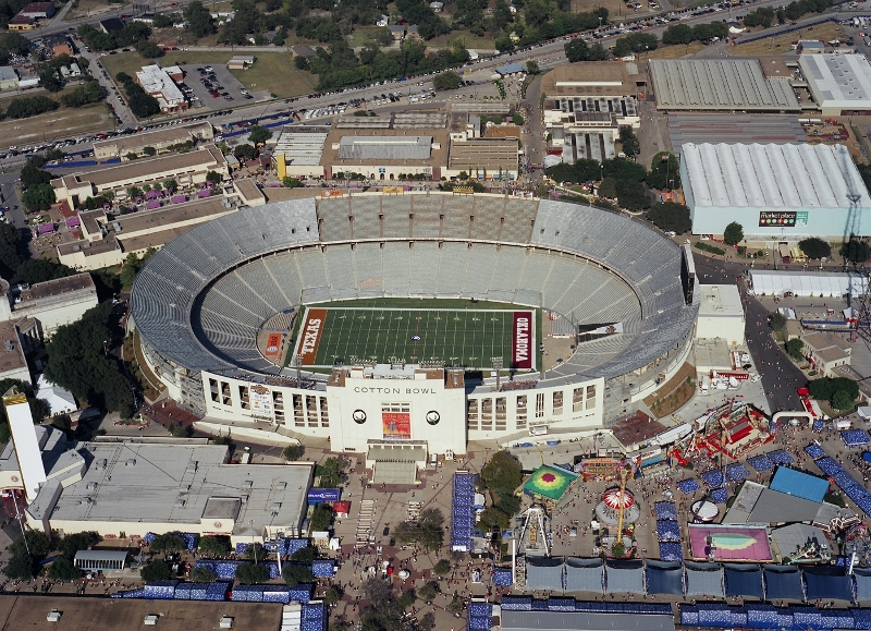 For the renovation of the Cotton Bowl Stadium in 2007, Southern Bleacher Company closed the end zones and replaced the seating.