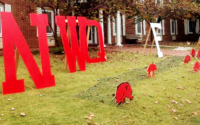 Student Alumni Association Hosts Homecoming Lawn Decorations Contest