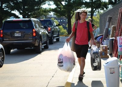 #UARK22 students moving into Hotz Honors Hall