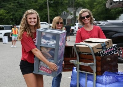 #UARK22 students unpacking their cars