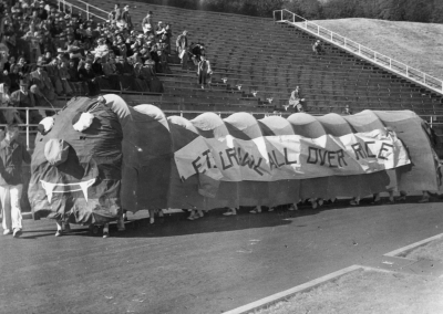 First place homecoming float made by Chi Omega in 1950