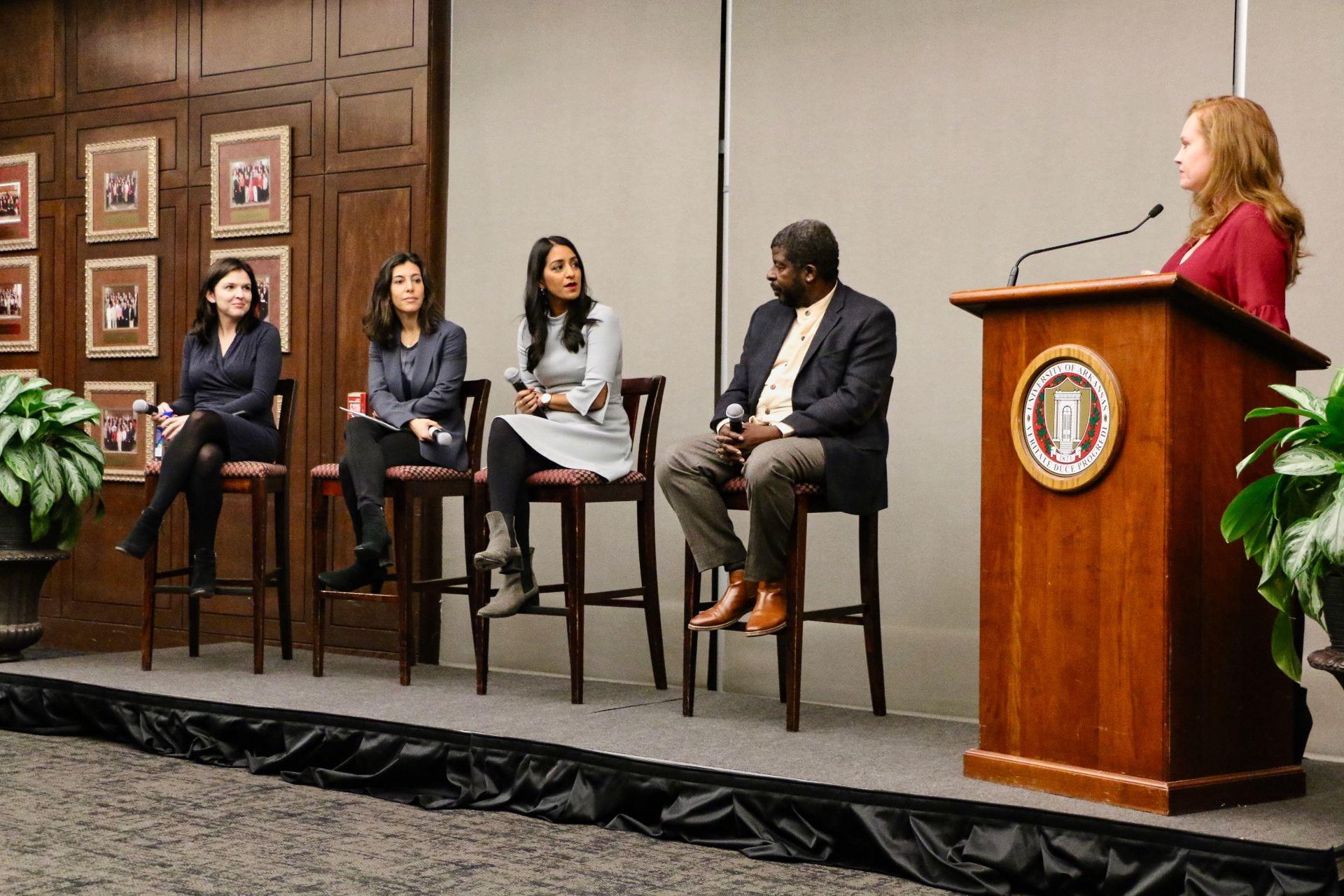Center for Ethics Forum with journalists Arlette Saenz, Julie Hirschfeld-Davis, Sabrina Siddiqui and VDP Steven Holmes. The moderator is UA director of student media Robyn Starling-Ledbetter, Nov. 2018
